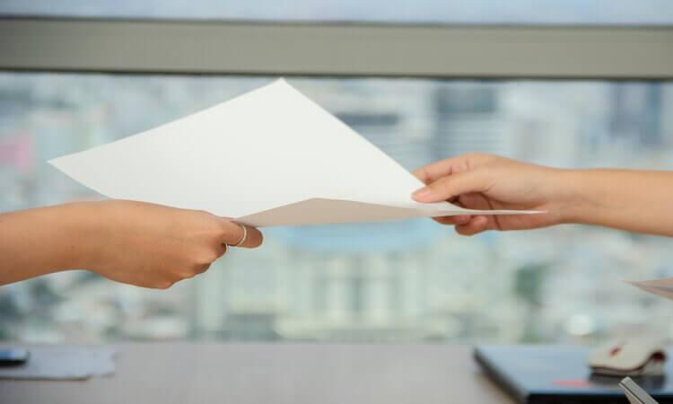 Entregar a Carta de Despedimento